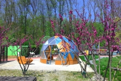 Gartenstudio mit Sechseck Türe