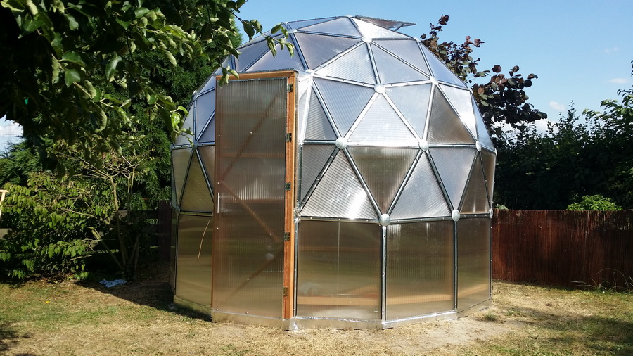 green domes geod tische garten kuppel futurum domes. Black Bedroom Furniture Sets. Home Design Ideas